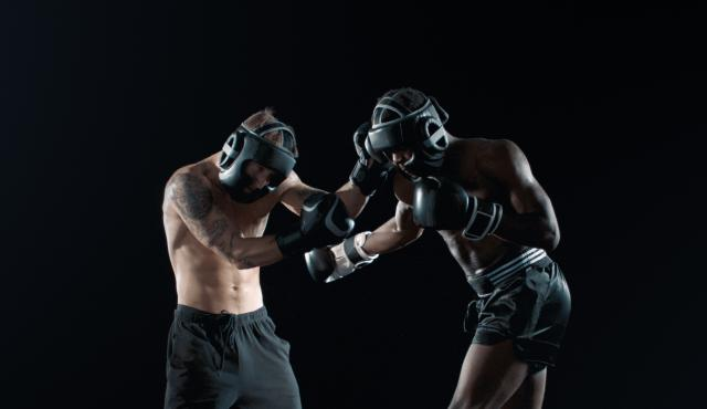 SECURE_Black_Boxe_fighting